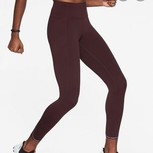 Athleta Run Free 7/8 Tight maroon size XS